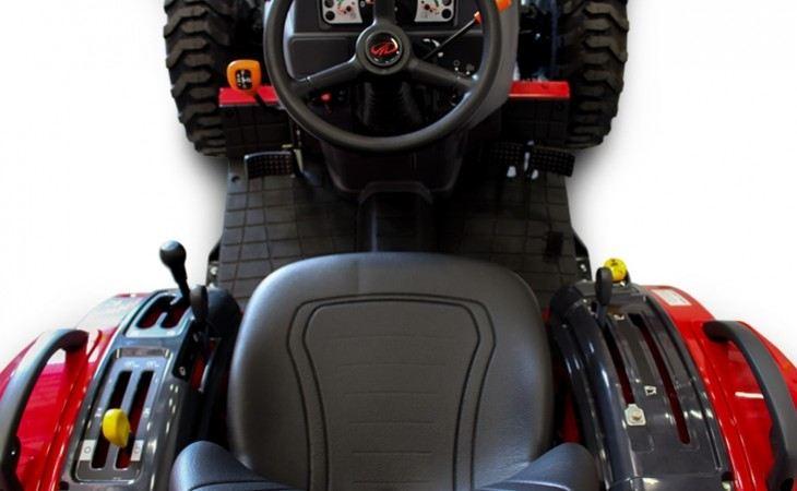 Mahindra 1526 Tractor Seat and Wheel
