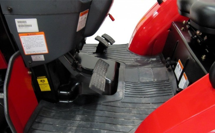Mahindra 2538 Operating Deck