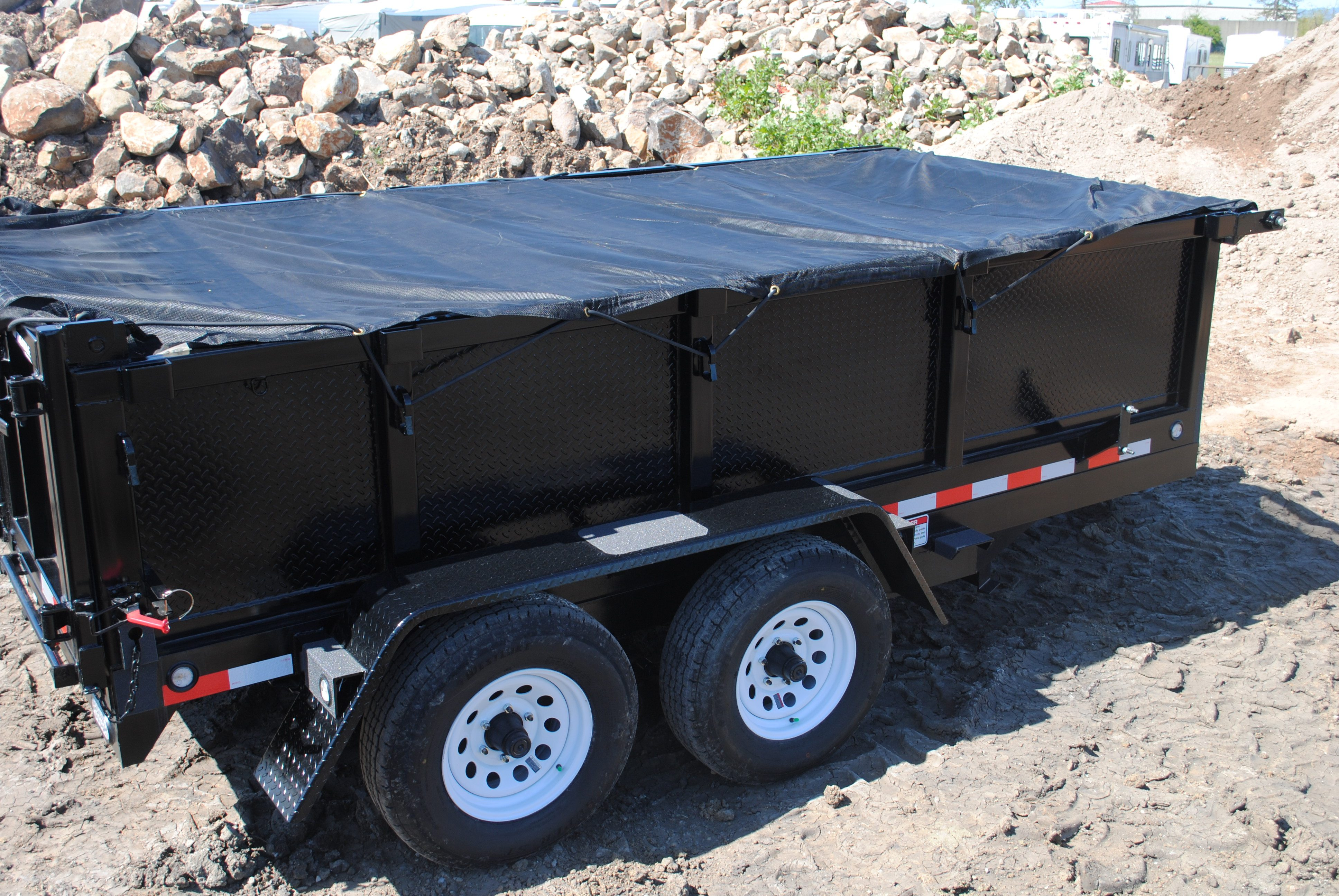 What to Look for When Buying a Dump Trailer   Campway's Truck