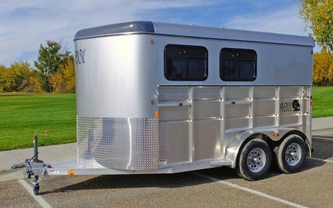 Mav Lite Horse Trailer Aluminum Sides