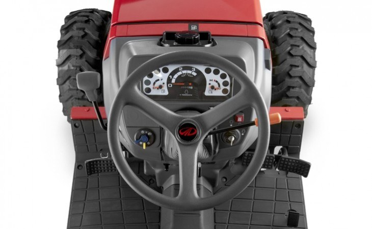 Mahindra Max26 XL Tractor Wheel and Dashboard