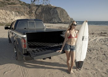 LEER Trilogy Tonneau Cover on Truck at the Beach